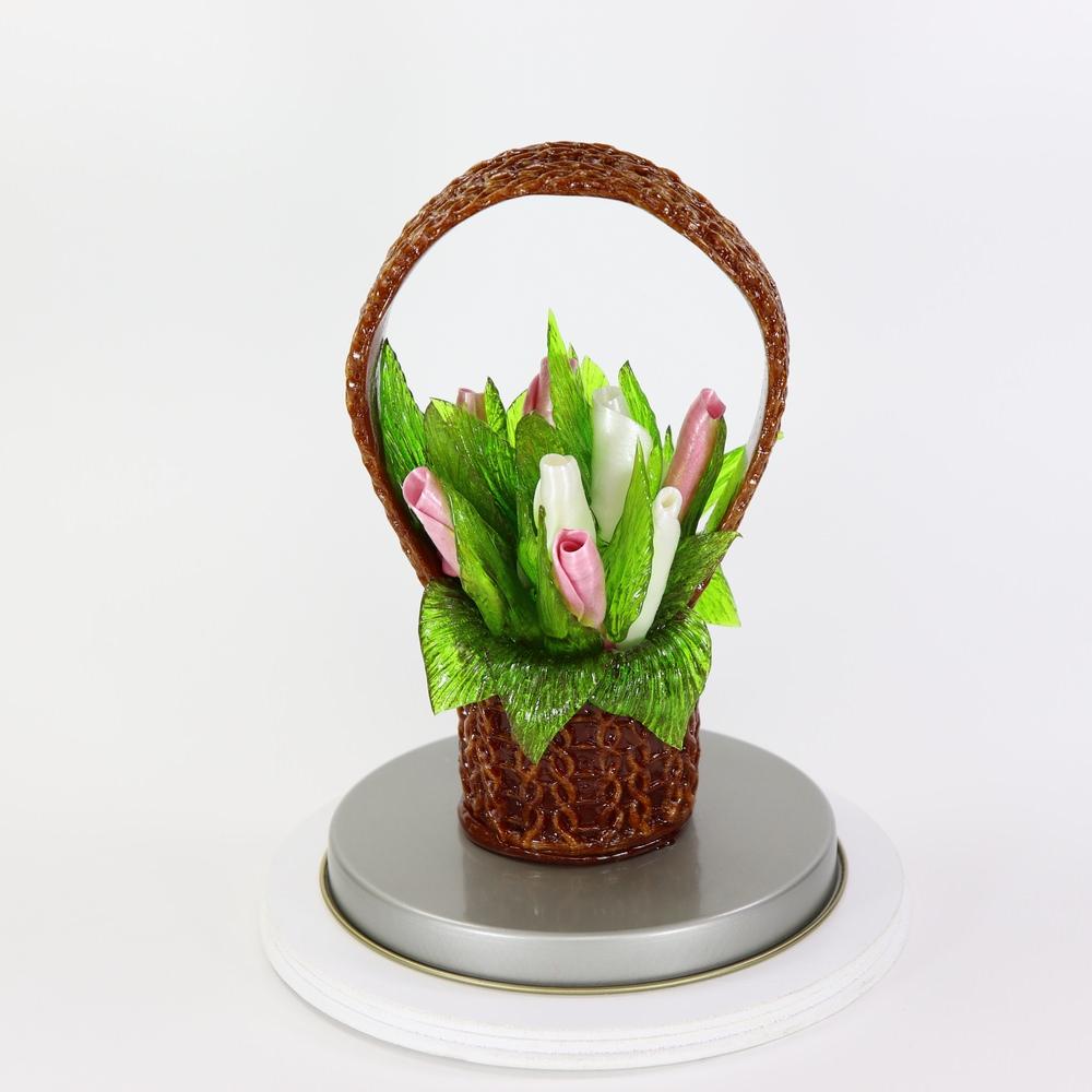 Карамельная Корзинка с подснежниками бело-лиловые в тубе