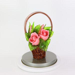 Карамельная Корзинка с розами розовыми в тубе