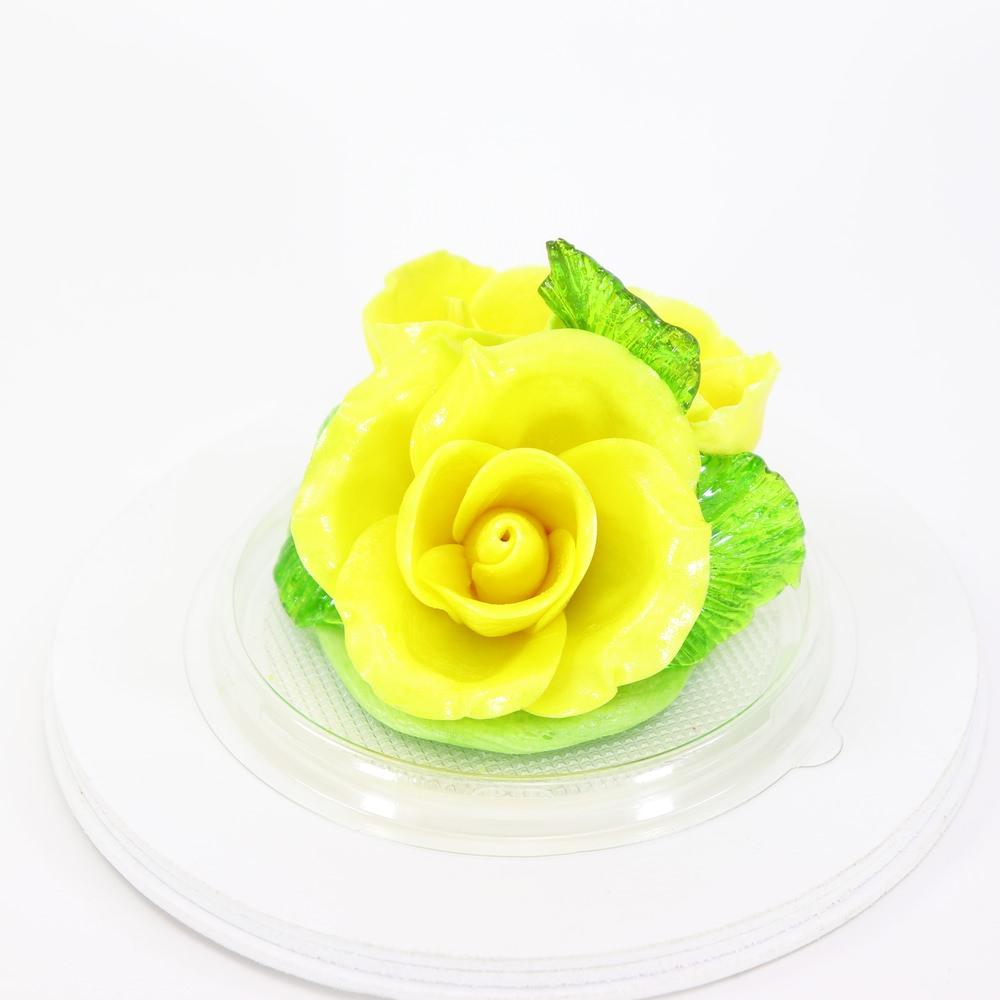 Карамельная Роза маленькая желтая в полусфере